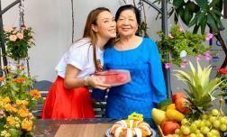 Ca sĩ Mỹ Tâm tổ chức sinh nhật cho mẹ tại Đà Nẵng