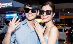 Vợ chồng son Đông Nhi và Ông Cao Thắng rạng rỡ khoe nhẫn cưới, tay trong tay đáp chuyến bay trở về sau hôn lễ thế kỷ