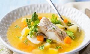 Khi nấu canh cá, bạn nên tránh sử dụng gia vị này nếu không muốn món ăn trở nên tanh, mất vị