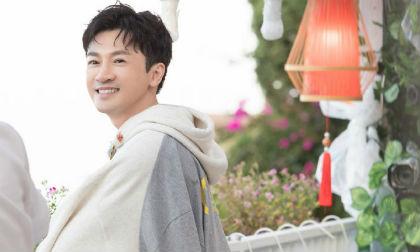 Không kém cạnh cô bạn thân Triệu Vy, Tô Hữu Bằng lại có màn 'cải lão hoàn đồng' trên truyền hình