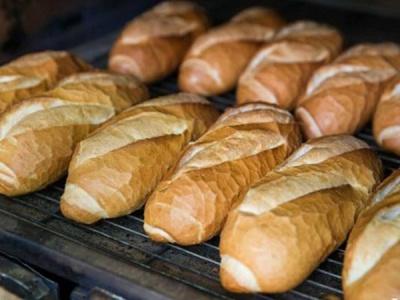 Chuyên gia rùng mình với loại bánh mì nóng giòn được tẩm 'hóa chất lạ' để nở to, chín nhanh hơn: Ăn nhiều cẩn thận biến đổi gen, mắc ung thư