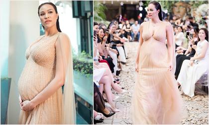 MC Phương Mai vác bụng bầu 8 tháng, đi guốc 12cm trình diễn thời trang