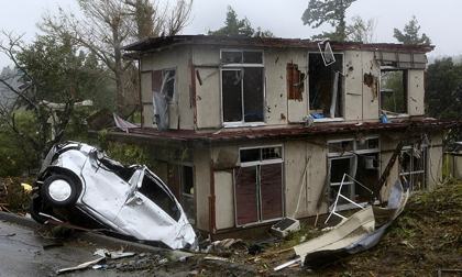 Cảnh hoang tàn như ngày tận thế khi siêu bão mạnh nhất 6 thập kỷ càn quét Nhật Bản