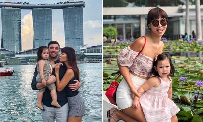 Đưa con gái đi du lịch Singapore, siêu mẫu Hà Anh than: Nhễ nhại mồ hôi, chả có ảnh nào tử tế... để khoe cả