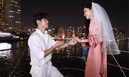 Yêu đương kiểu chớp nhoáng thời 4.0: Trang Anna được bạn trai cầu hôn chỉ chưa đầy 1 tháng công khai