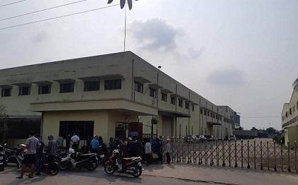 Điều tra vụ nữ công nhân tử vong trong nhà kho của công ty, có túi nilon quấn trên đầu