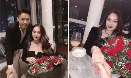 Em họ Hương Tràm công khai nhận lời cầu hôn của bạn trai