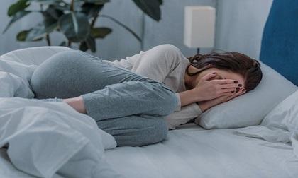 Nữ sinh viên bị rút 127 triệu đồng từ điện thoại khi cho game thủ ngủ nhờ qua đêm