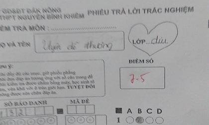 Dám 'thả thính' thầy giáo trong bài kiểm tra để gây ấn tượng, nữ sinh bị trừ luôn 5 điểm