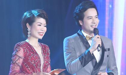 MC Đoàn Minh Tài khẳng định bản lĩnh trên sân khấu trực tiếp, MC Thi Thảo làm tròn vai của nữ diễn giả chuyên nghiệp