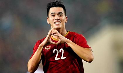 Xem lại bàn thắng Tiến Linh lập siêu phẩm từ khoảng cách 25 mét, xé lưới UAE