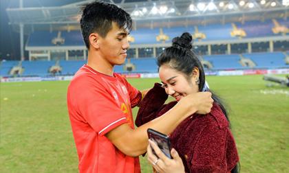 Vừa ghi siêu phẩm giúp Việt Nam hạ UAE, tiền đạo Tiến Linh dính nghi án đã chia tay bạn gái