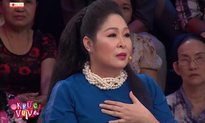 NSND Hồng Vân khóc nghẹn cám ơn mẹ vì chưa giờ để mình phải khổ