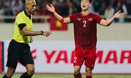 Cướp trắng bàn thắng của Việt Nam, trọng tài người Oman trở thành 'cầu thủ Thái Lan' xuất sắc nhất trận