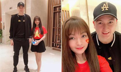 Bạn gái Mạc Văn Khoa đăng ảnh chụp cùng người hùng đêm qua - thủ môn Đặng Văn Lâm