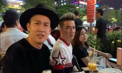 Đàm Vĩnh Hưng ca ngợi Lâm - Hậu, bức xúc về trọng tài khi cướp trắng bàn thắng của Việt Nam