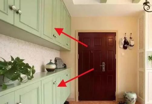 7 kiểu đặt tủ giày khiến gia đình luôn gặp khó khăn, xui xẻo