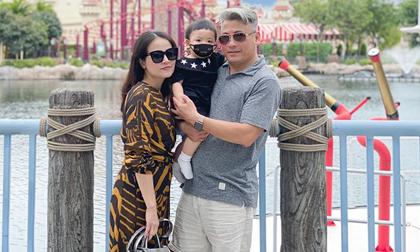 Con trai Tú Anh lộ góc mặt chính diện khi đi du lịch cùng ông bà ngoại