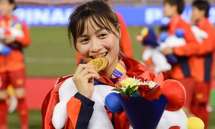 'Hot girl sân cỏ' Hoàng Thị Loan: 'Em chưa có người yêu'