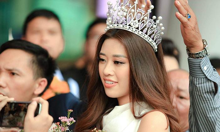 Hoa hậu Khánh Vân trở về Sài Gòn sau hai ba ngày đăng quang, nhan sắc cận quá cực phẩm