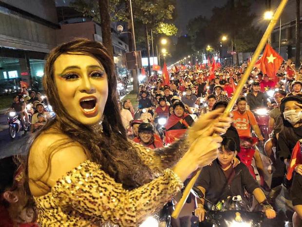 sao Việt ăn mừng Việt Nam đạt huy chương vàng 21