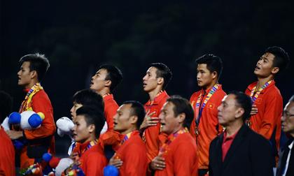 Giây phút trao giải HCV SEA Games cho U22 Việt Nam: Màn ăn mừng xúc động sau chiến thắng lịch sử