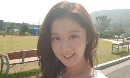 """U40 mà cứ như gái 18 thế này bảo sao Jang Nara bị gọi là """"yêu quái"""""""