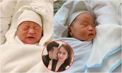 Mới 6 ngày tuổi, cặp song sinh của vợ chồng MC Thành Trung đã bụ bẫm thấy rõ