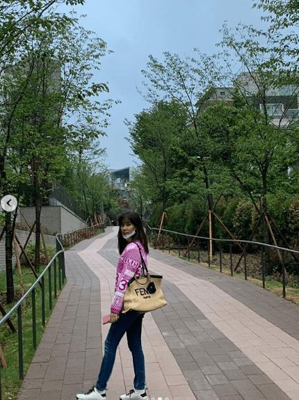 Dính bê bối 'gái gọi' là thế nhưng Jang Dong Gun vẫn chăm vợ khéo thế này, U50 rồi mà sắc vóc vẫn trẻ đẹp kinh ngạc 3