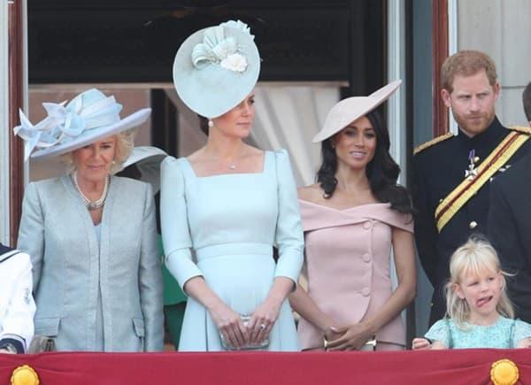 Phản ứng Meghan Markle 'dữ dội' khi hoàng gia Anh bênh vực chị dâu Kate 1