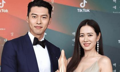 """Trượt hạng mục chính nhưng Hyun Bin và Son Ye Jin vẫn dắt tay nhau lên nhận giải """"Diễn viên được yêu thích nhất"""" tại Baeksang 2020"""
