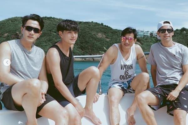 Mặc kệ Dương Mịch hẹn hò trai trẻ, Lưu Khải Uy tụ tập với hội bạn thân trên du thuyền hạng sang 1