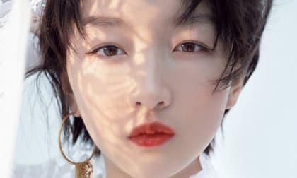 Cô là ngôi sao nữ Trung Quốc duy nhất không trang điểm, nhưng không có sự khác biệt giữa trang điểm và không trang điểm