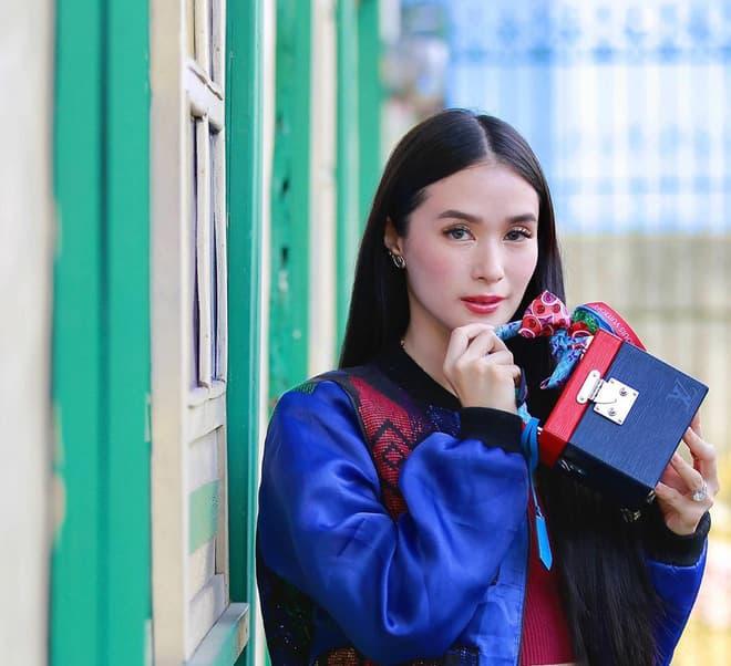 kho hàng hiệu của bạn thân Hà Tăng 16
