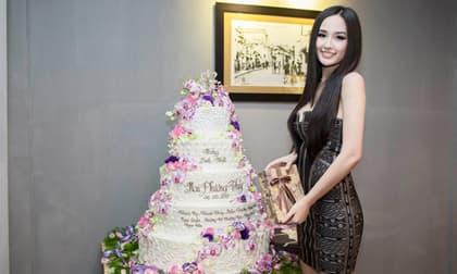 Sinh nhật vào đúng mùa dịch, Hoa hậu Mai Phương Thúy đành ngậm ngùi lên kế hoạch 'đặc biệt'