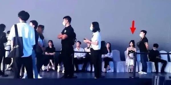 Dương Mịch và Đường Yên 'bơ' nhau tại sự kiện, xem lại ảnh quá khứ mới thấy họ từng rất 'tình hương mến thương'  1