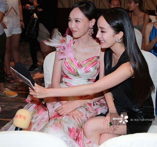 Dương Mịch và Đường Yên 'bơ' nhau tại sự kiện, xem lại ảnh quá khứ mới thấy họ từng rất 'tình hương mến thương'  5
