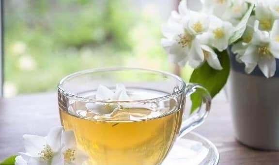 Phụ nữ không muốn già nhanh, uống 3 loại trà này thường xuyên sẽ giúp da trắng sáng và mềm mại hơn!