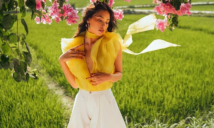 Hoa hậu Tiểu Vy đẹp nuột nà trong bộ ảnh chụp tại quê nhà Hội An