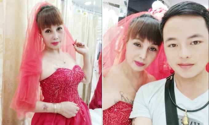 'Cô dâu 62 tuổi' Thu Sao khiến dân tình ngán ngẩm vì liên tục đăng ảnh đi thử váy cưới cùng chồng trẻ Hoa Cương