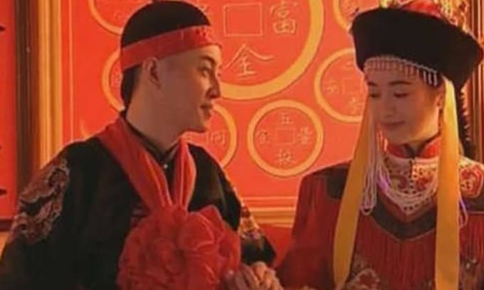 Những người phụ nữ mà hoàng đế 'tiếp xúc' lần đầu tiên thường không phải là hoàng hậu hay phi tần, mà là hai loại người này
