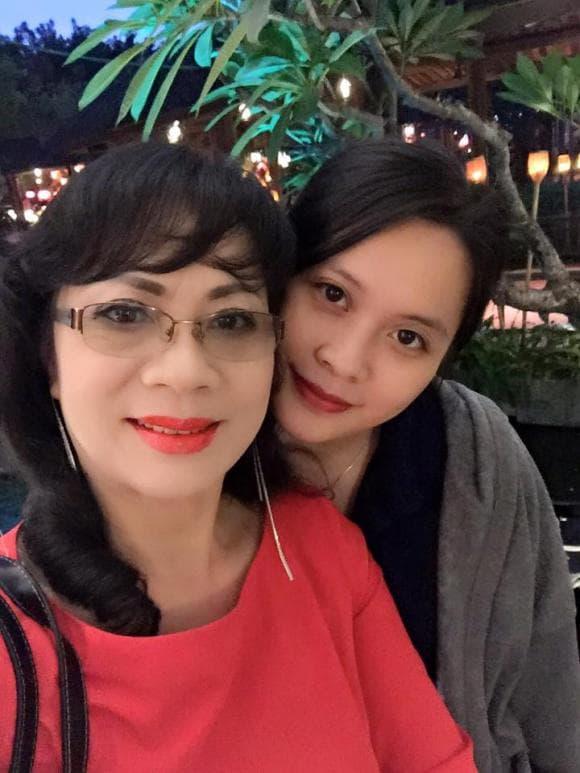 con gái nghệ sĩ Hương Dung 0