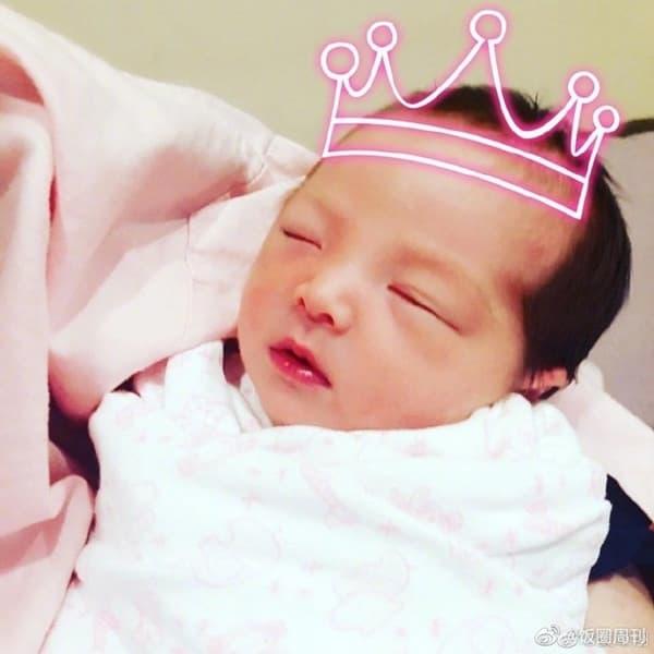 'Mỹ nam xứ Đài' Hạ Quân Tường ép vợ sinh sớm 2 tuần vì không thích con gái mang cung Xử Nữ 3