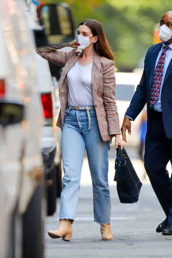 Từng được mệnh danh là 'nữ thần đẹp không góc chết', nhan sắc Anne Hathaway giờ đây thay đổi thế nào?  8
