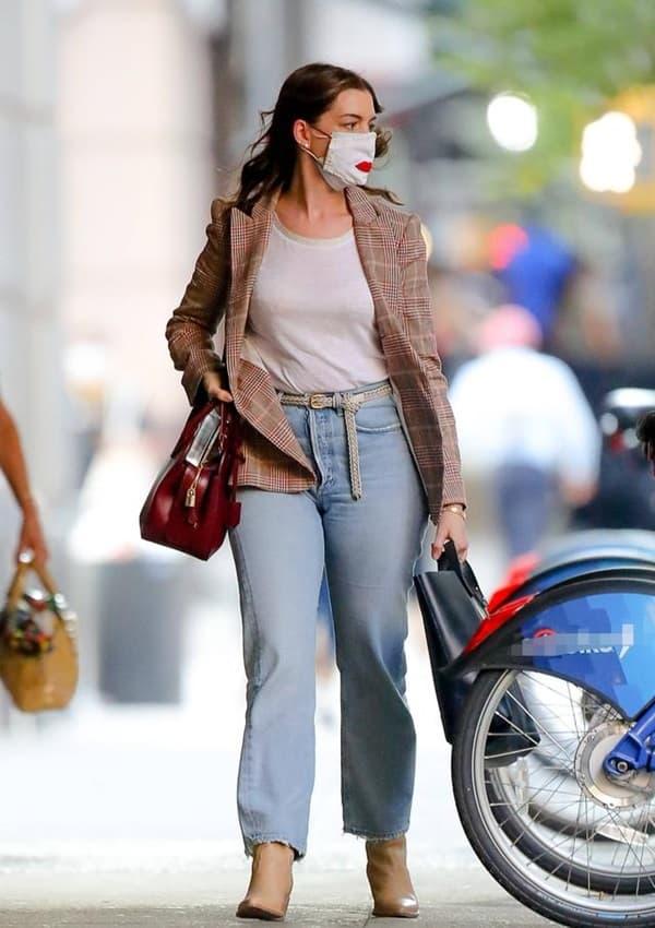 Từng được mệnh danh là 'nữ thần đẹp không góc chết', nhan sắc Anne Hathaway giờ đây thay đổi thế nào?  11