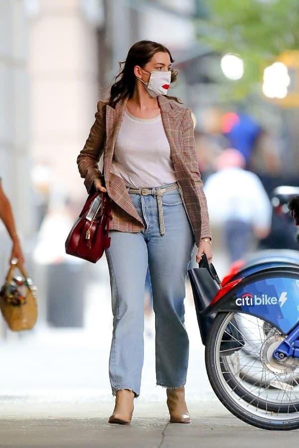 Từng được mệnh danh là 'nữ thần đẹp không góc chết', nhan sắc Anne Hathaway giờ đây thay đổi thế nào?  7