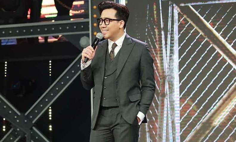 Trấn Thành tiếp tục gây tranh cãi khi làm MC Rap Việt: Là thiên vị thí sinh hay drama phát sóng?