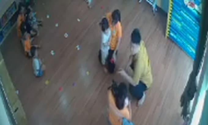 Bé gái 2 tuổi bị bố của bạn đánh ở trường mầm non: Gia đình không chấp nhận lời xin lỗi, đã làm đơn gửi công an