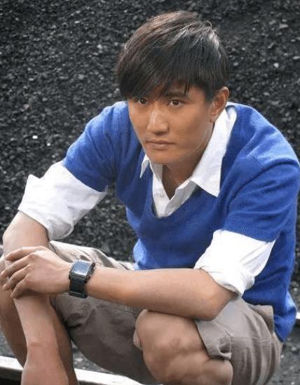 'Cậu bé vàng trong làng phim Quỳnh Dao' thi 3 lần mới đỗ Đại học, hơn 20 năm vào nghề vẫn giậm chân tại chỗ 4