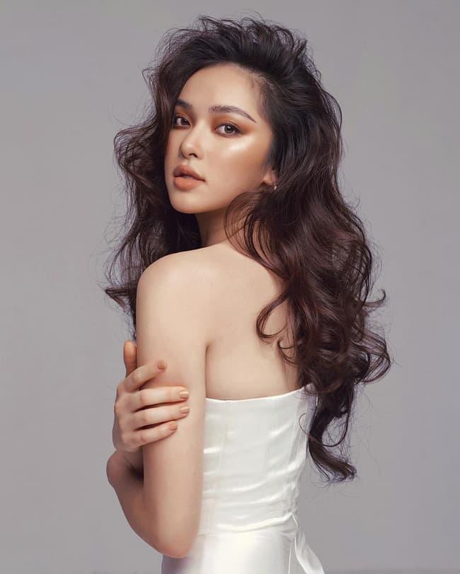 bạn gái Hiếu Nguyễn 4